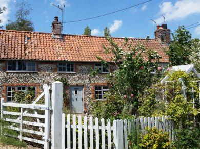 Rose Cottage Wighton (KT145)