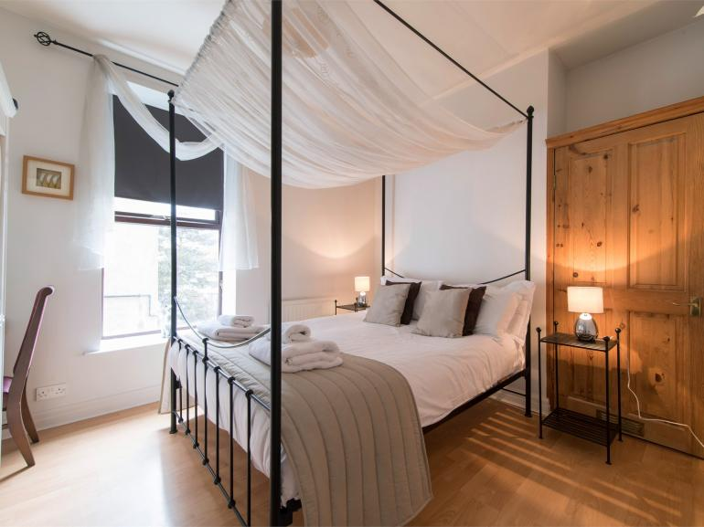 Fabulous king-size four poster bedroom