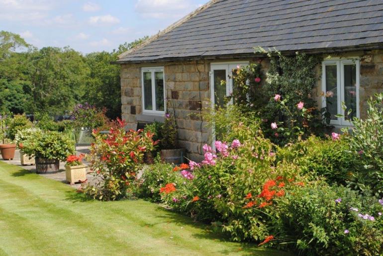 Single-storey detached cottage
