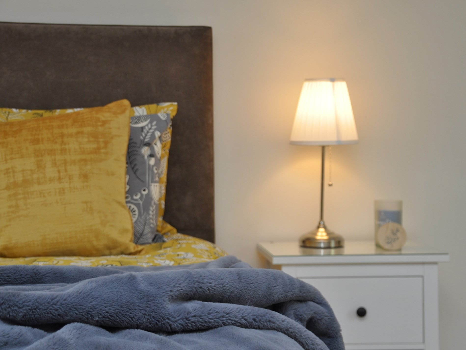Vibrant colours and soft throws