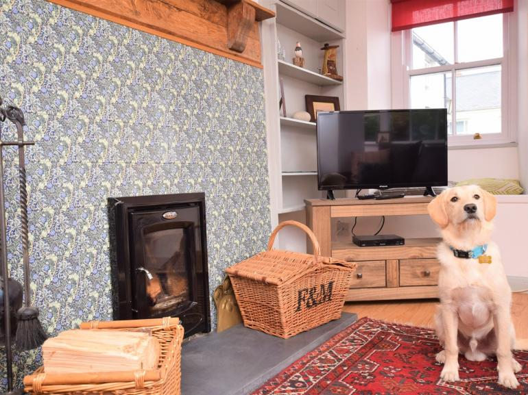 This delightful coastal cottage welcomes up to four of our four legged friends