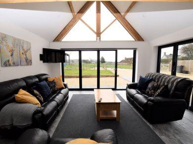 Home Barn (66326)