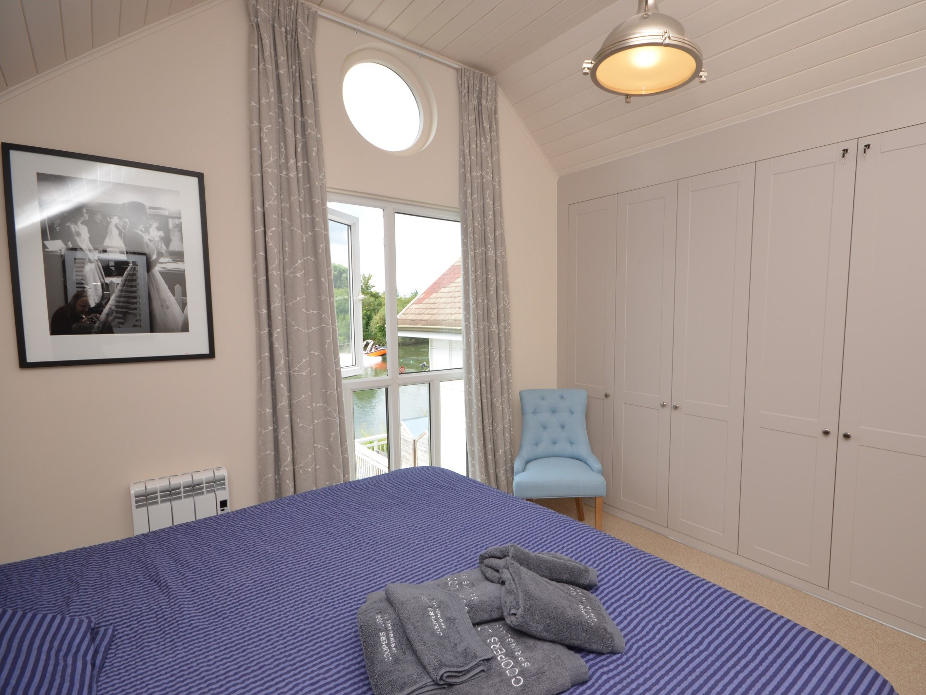 A wonderful and spacious bedroom