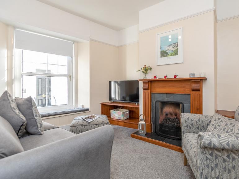 Cosy bright sitting room