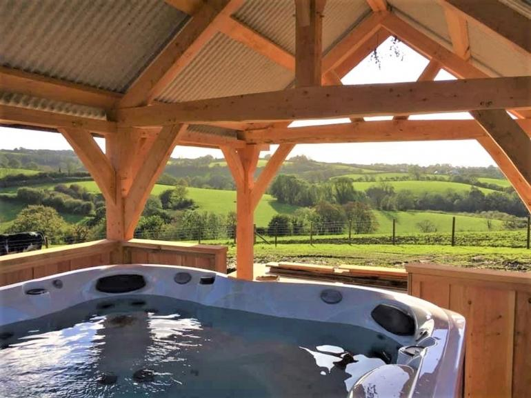 Barn conversion with access to shared hot tub