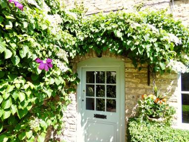 Weavers Cottage - West End (72872)