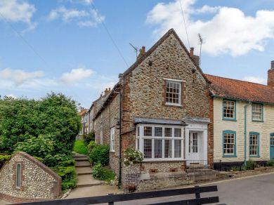 Corner Cottage - Blakeney (NCC16)