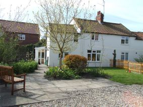 Daisy Cottage - Holt (NCC21)