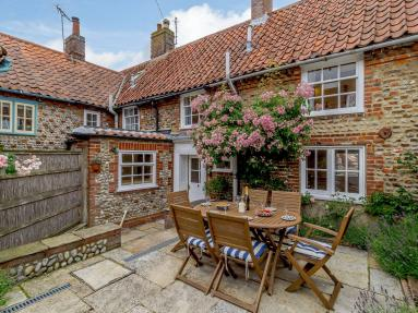 Middle Cottage - Blakeney (NCC37)