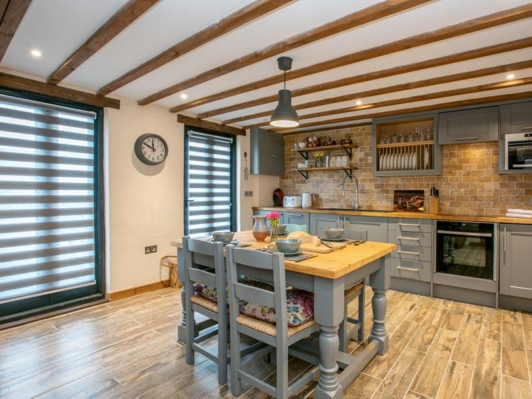 Guests will appreciate the well-equipped kitchen area