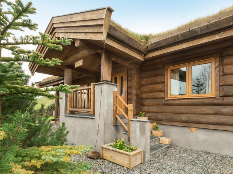 Towards the bespoke cabin