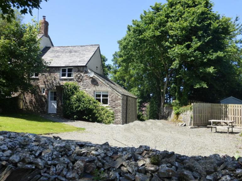 Delightful character cottage with ample parking