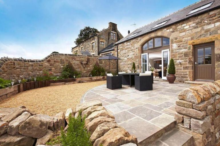 A stunning two-bedroom luxury holiday cottage