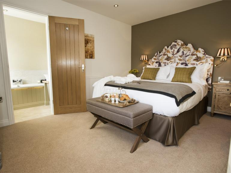 Beautifully decorated king size bedroom