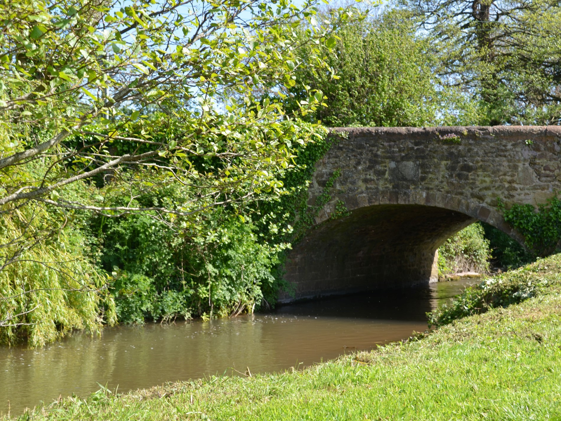 Enjoy walks along the river bank, a stones throw from the property