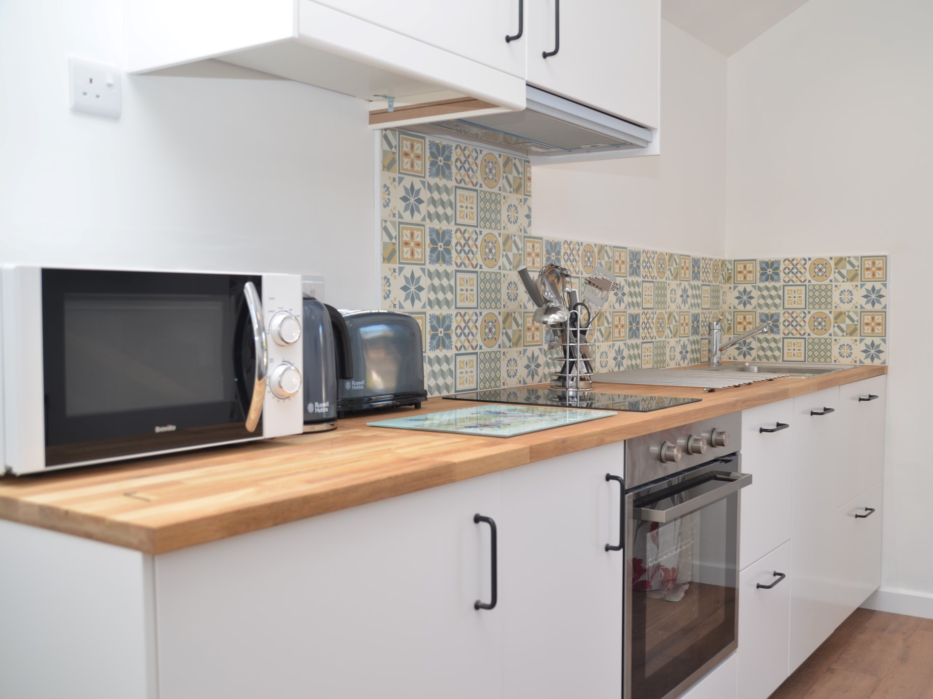 A well-equipped kitchen, great for cooking lazy breakfasts