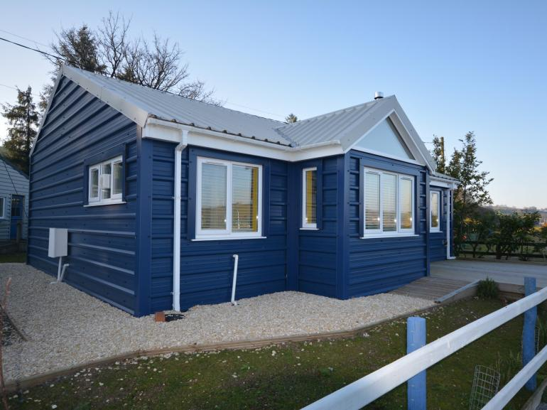 Super beachside retreat in Llansteffan
