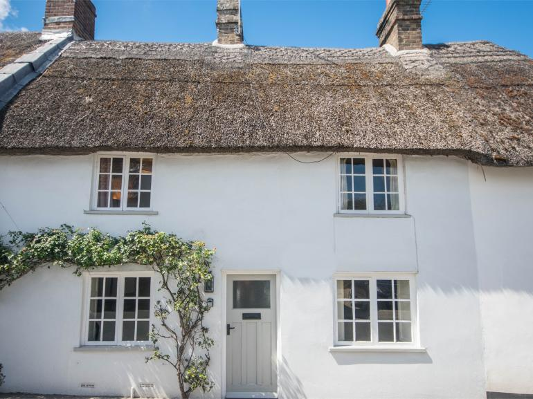 Charming Grade II-Listed chocolate box cottage