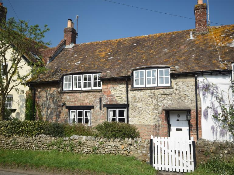 Historic Grade II listed 18th-century shoemaker's cottage