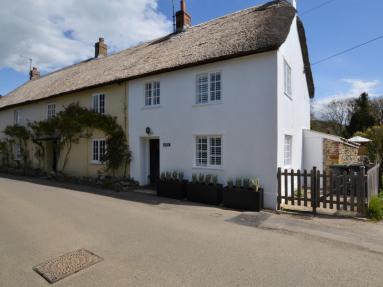 Meadow Cottage - Chideock (DC114)