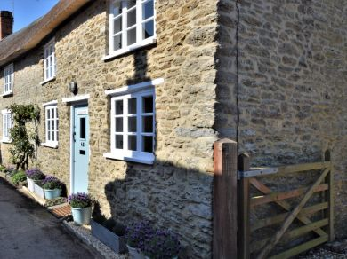 Thatch End Cottage (DC166)