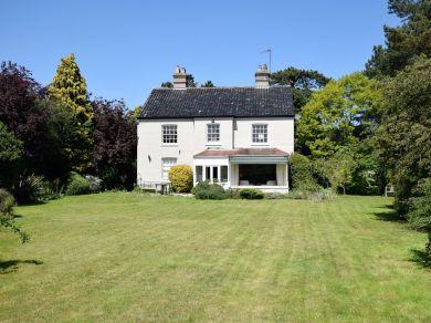 Eton House (75100)
