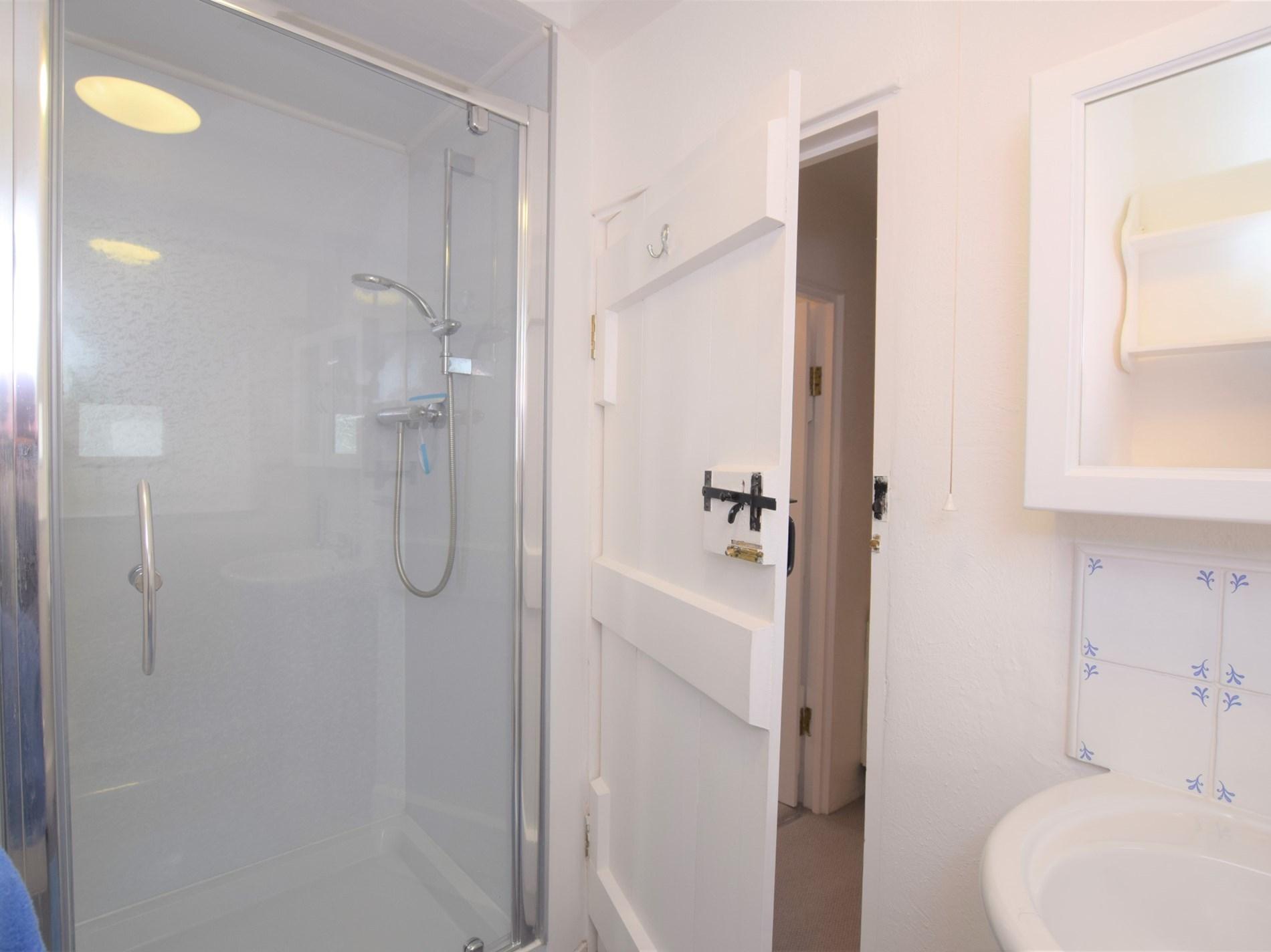 Delightful shower room