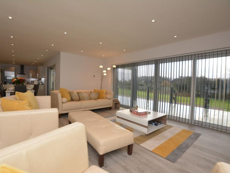 Stylish contemporary lodge with lifes little luxuries, set in 3 acres