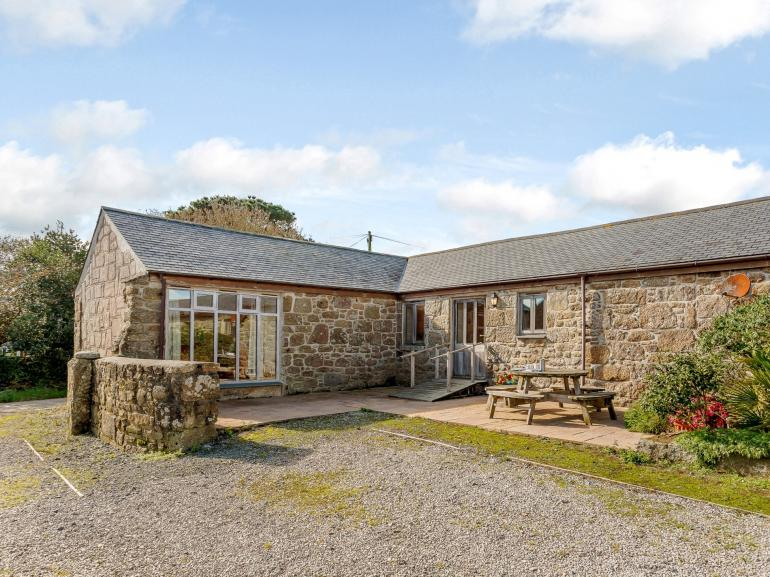 Fabulous family getaways to be enjoyed in this spacious holiday cottage