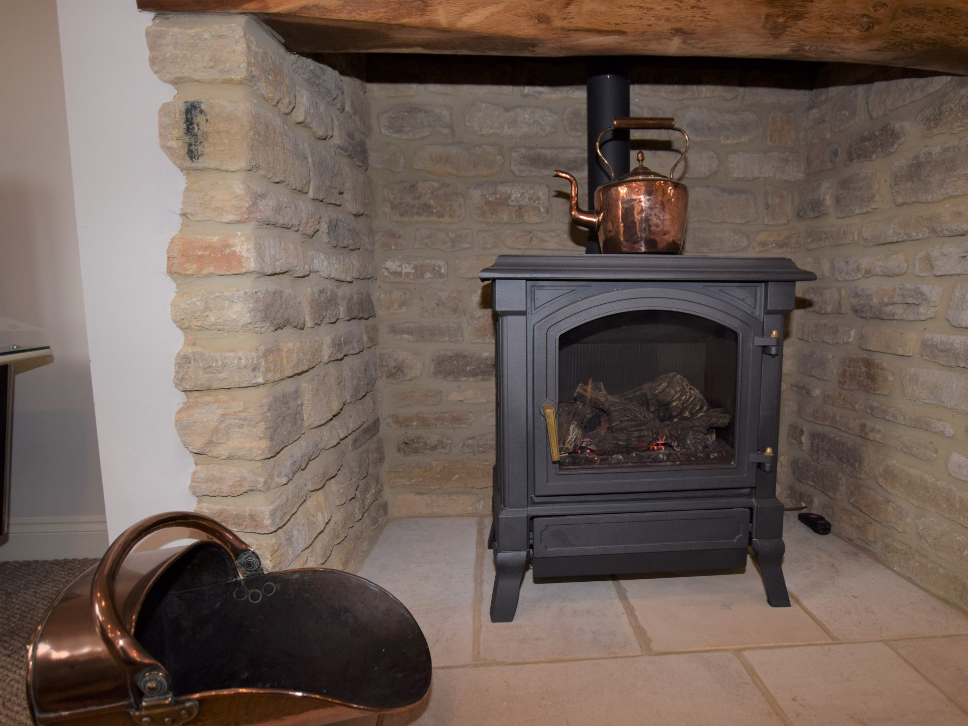 Gas wood burner