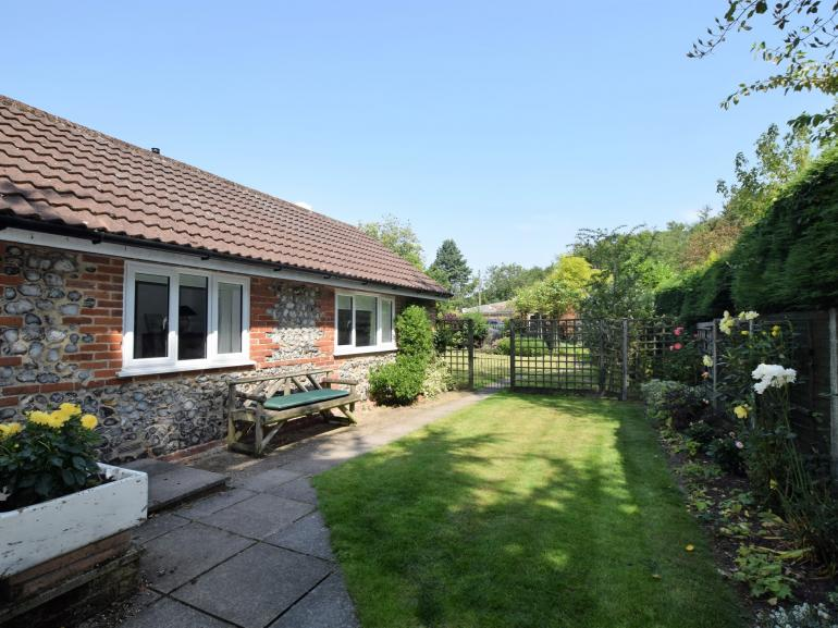 Charming annexe in a beautiful setting