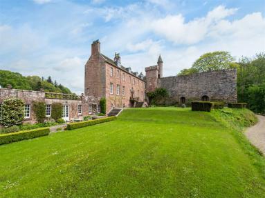 Airlie Castle (CA011)