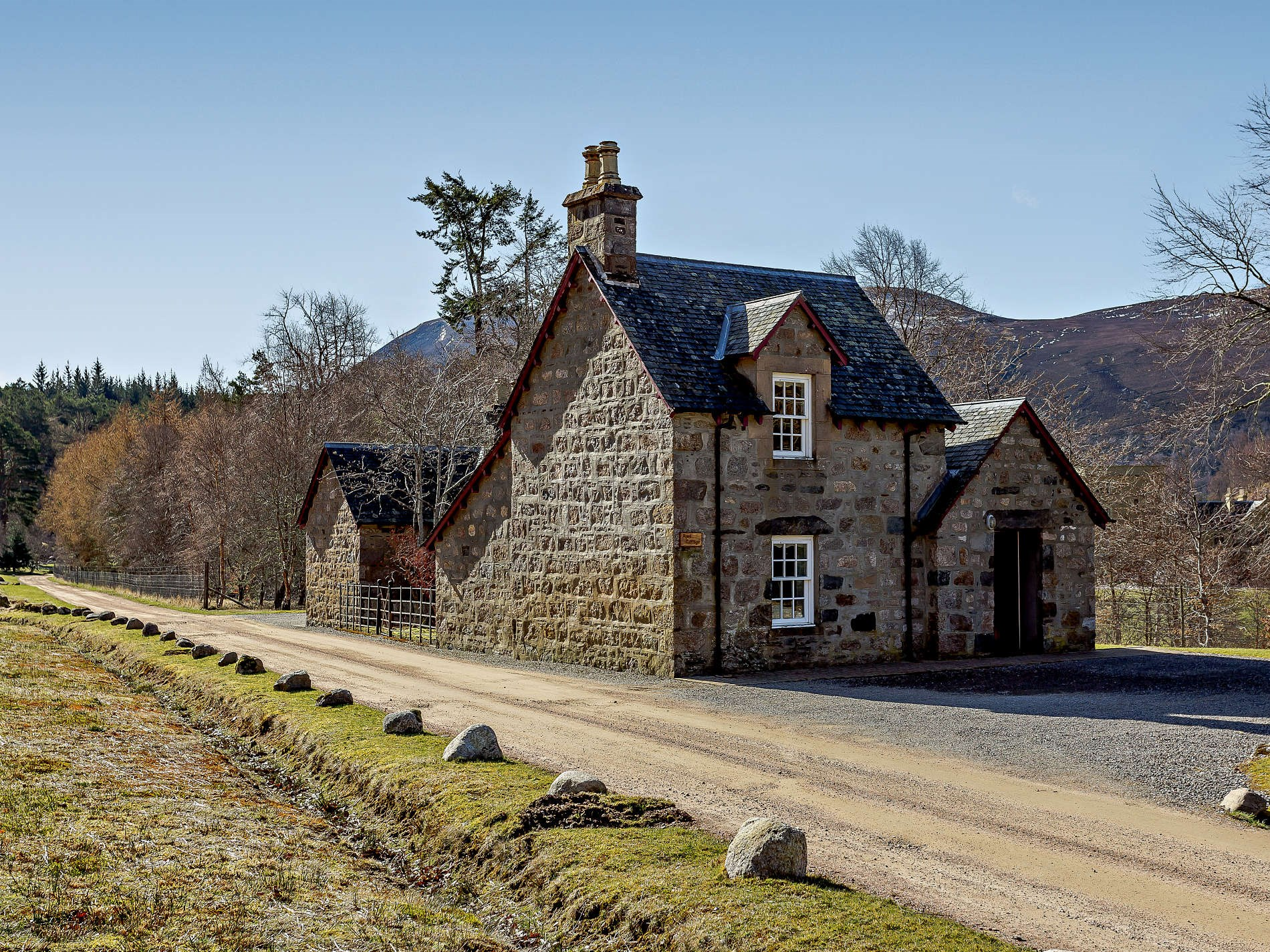 1 Bedroom Cottage in Alness, Inverness, Loch Ness & Nairn, Highlands