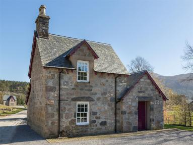 April Cottage - Alness (CA015)