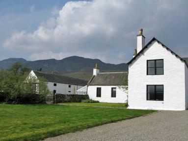 Biallid House (CA038)