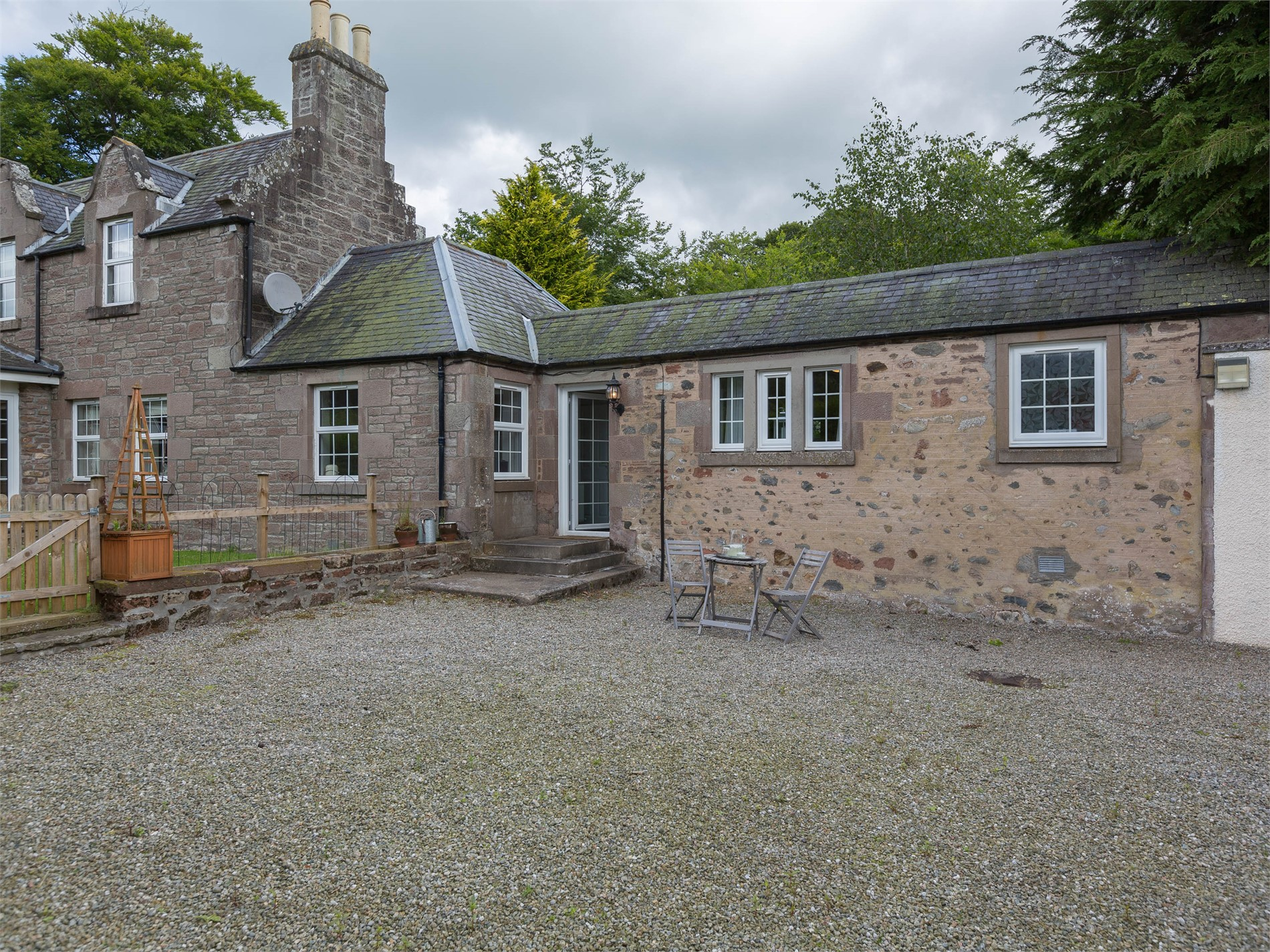 1 Bedroom Cottage in Brechin, Perthshire, Angus and Fife
