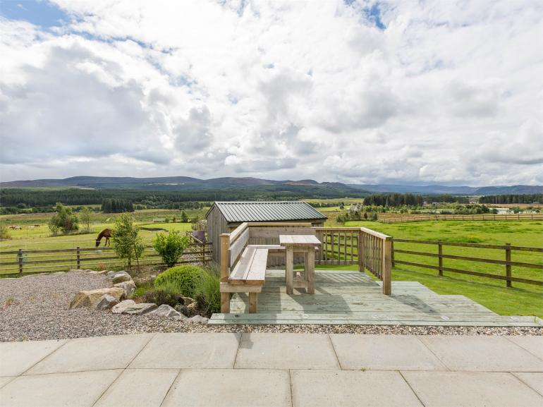 Spectacular open countryside views