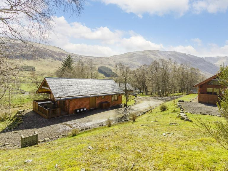 Complex of lodges in beautiful surroundings