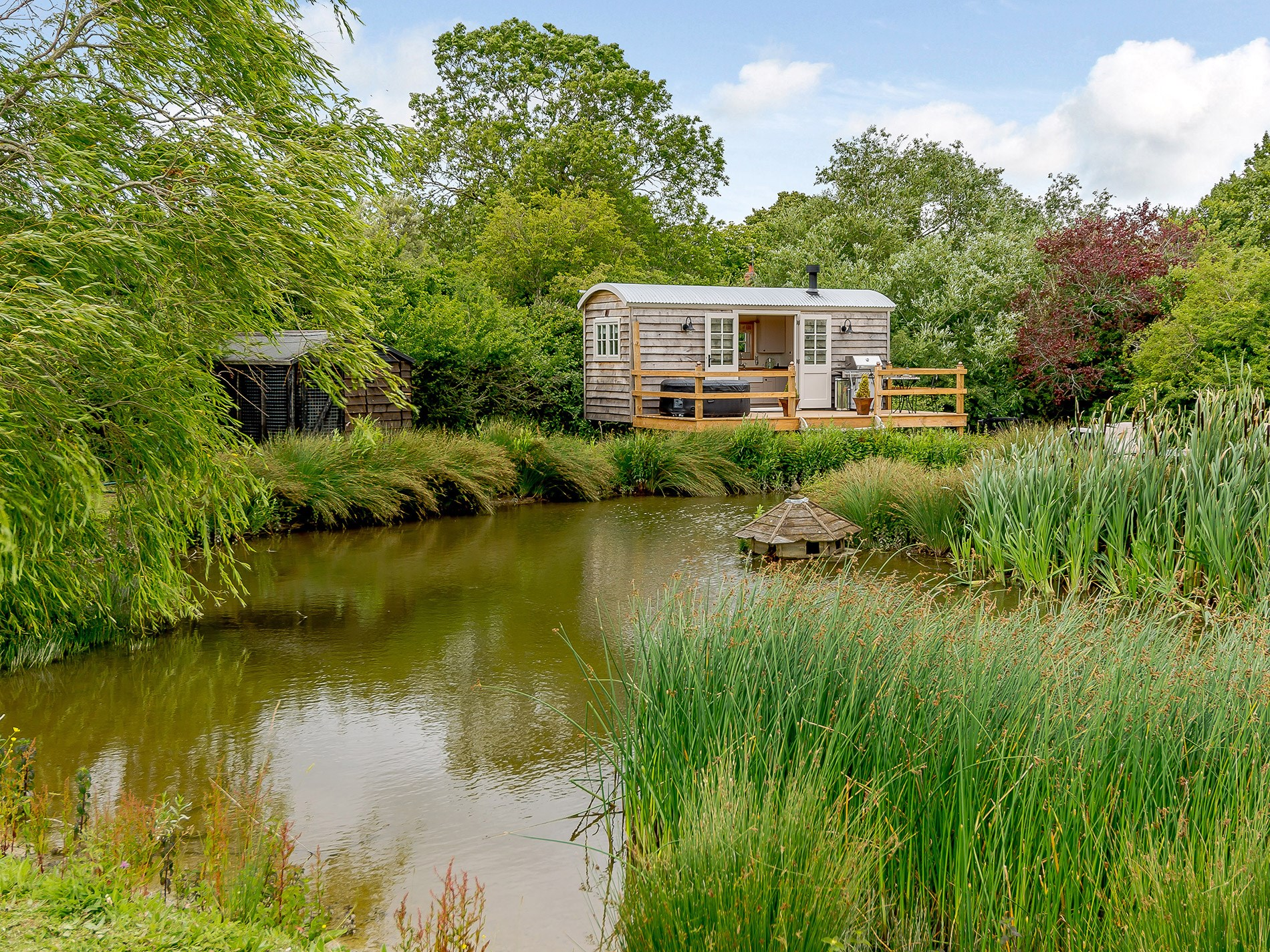 1 Bedroom Cottage in Aylesbury, Heart of England