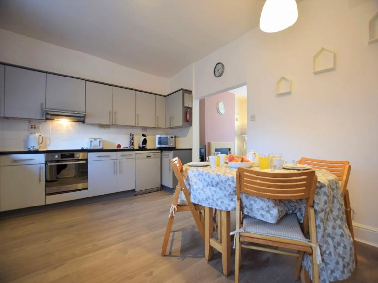 Large kitchen/diner, great for family meals