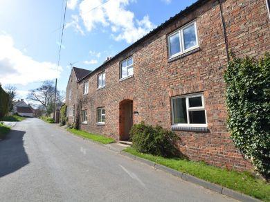 Barn House (77267)