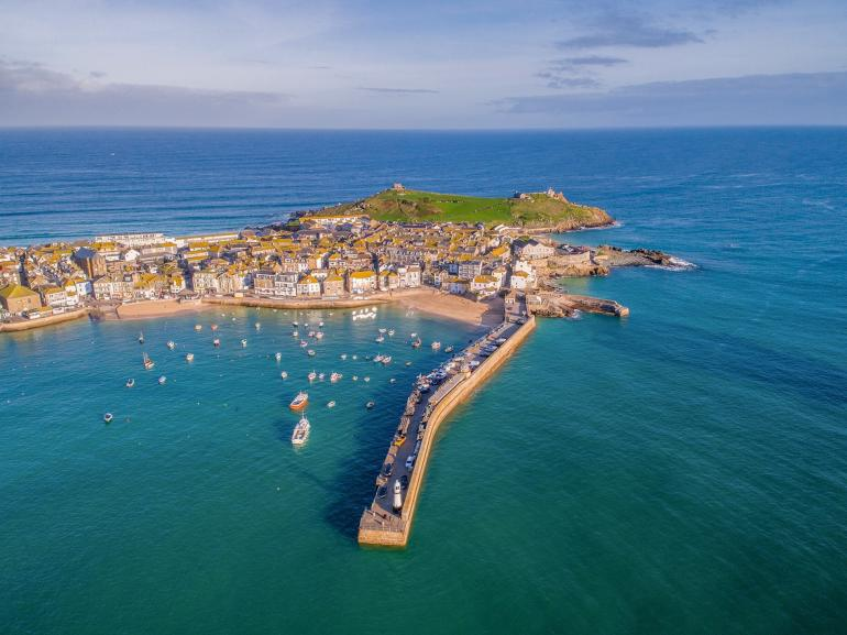 Stay in the heart of beautiful St Ives, Cornwall's premier holiday spot