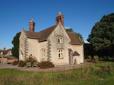 Tortworth Estate - Church Cottage (77400)
