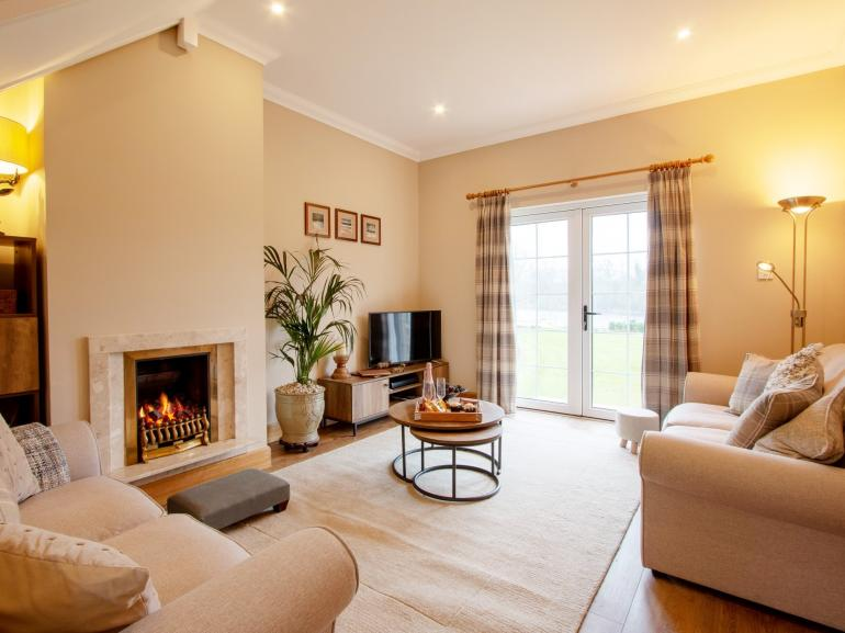 Wonderful luxurious lounge with splendid views over the River Tay