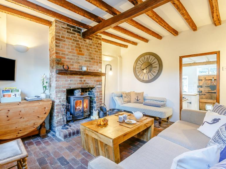 Romantic hideaway for 2 in this characterful sussex cottage