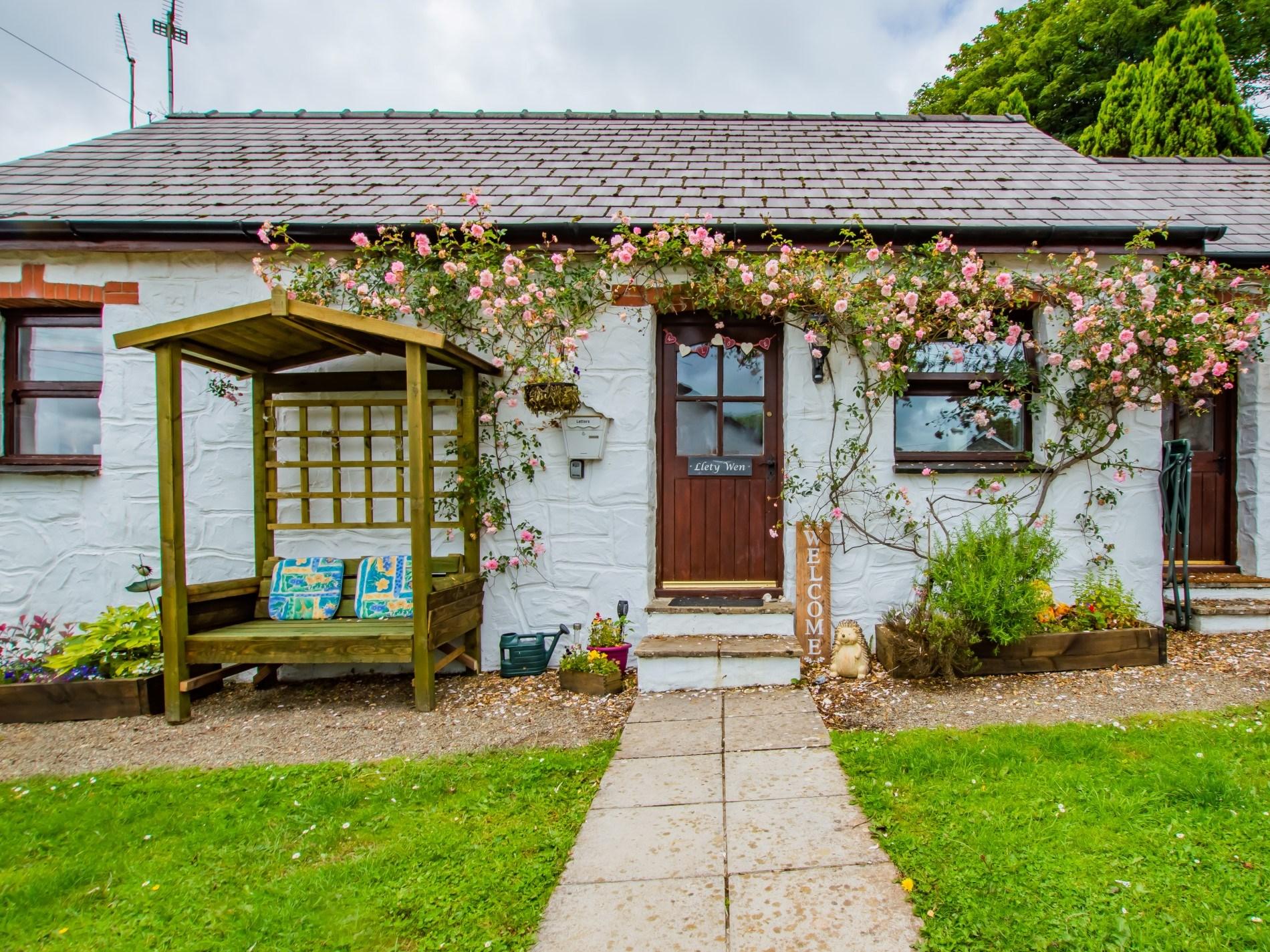 1 Bedroom Cottage in Clarbeston Road, Mid Wales