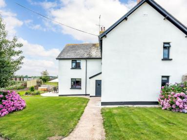 Burrow Farmhouse (77900)