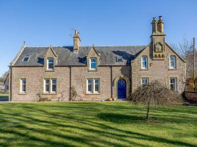 Wellside Farmhouse (78038)