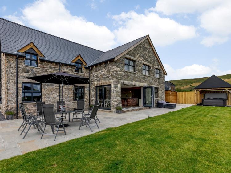 Angelrocks Farmhouse (78163)