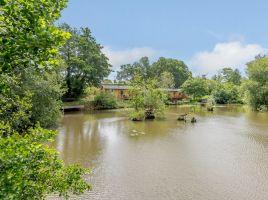 Alverstone Ponds Willow End Lodge